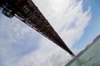 Лиссабон: под мостом 25 апреля